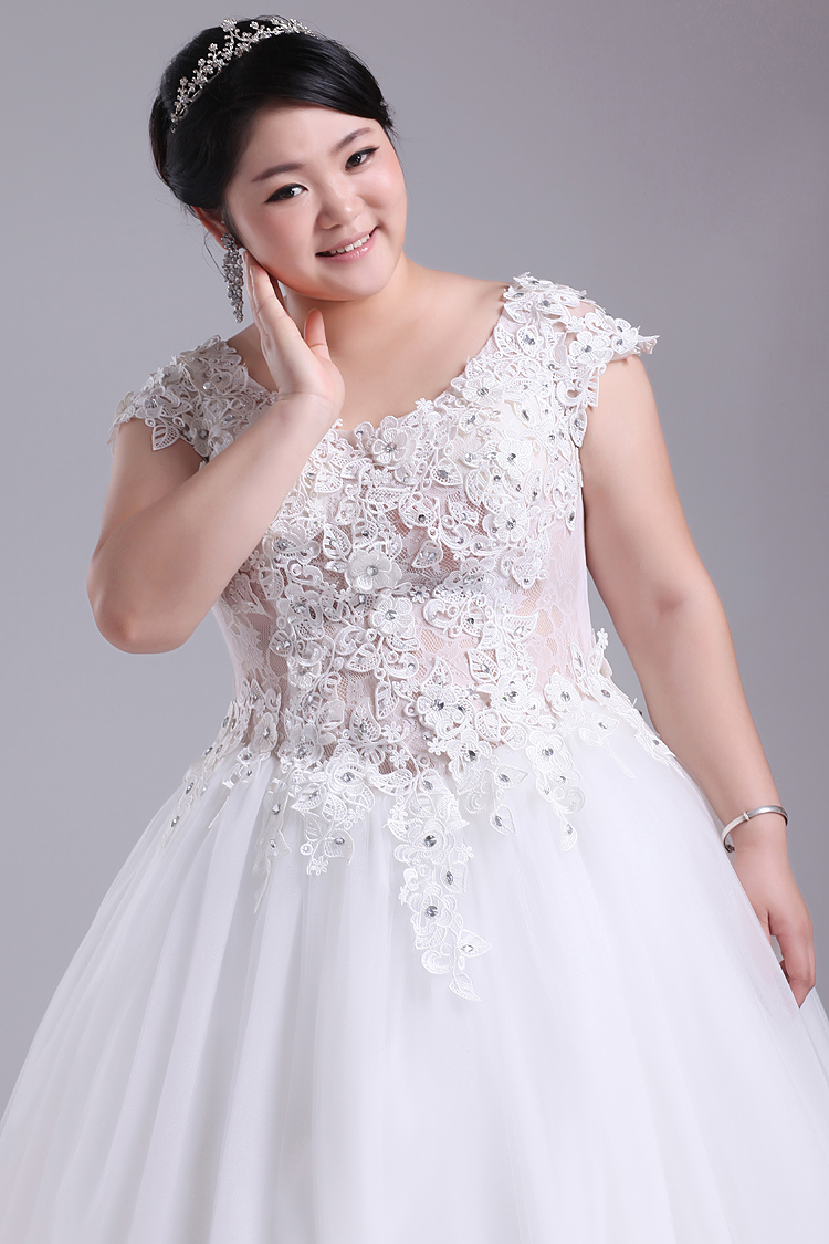 Heart love p003 2015 mm for Wedding dresses for thick girls